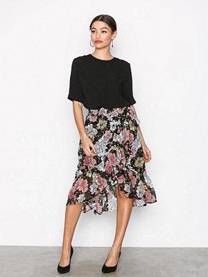Selected Femme Sfcynthia Mw Frill Skirt Ex Svart