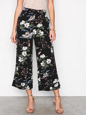 Glamorous svarta byxor med tryck Floral Trousers Black
