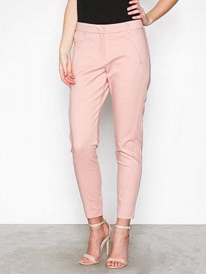 Vero Moda persikofärgade byxor Vmvictoria Mr Antifit Ankle Pants C Ljus Rosa