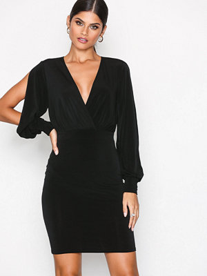 NLY One Split Sleeve Dress Svart