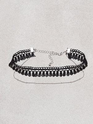 NLY Accessories smycke Mini Tassel Necklace Svart
