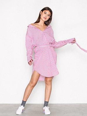 NLY Trend Alternative Shirt Dress Rosa/Randig