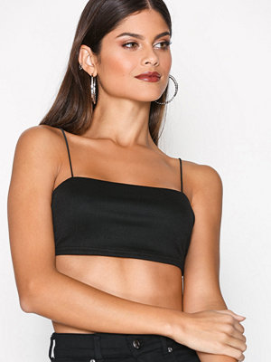 NLY One Strappy Crop Top Svart