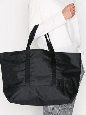 Calvin Klein Sport Essential Carryall Tote 37 Svart