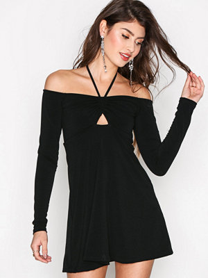 Motel Raines Skater Dress Svart
