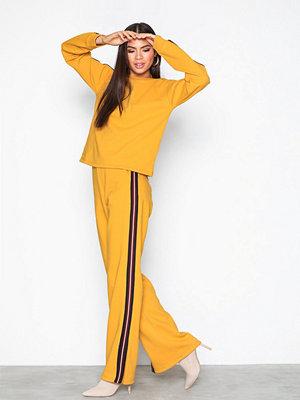 NLY Trend Stripe Sweat Set Mustard