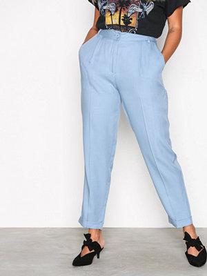 NLY Trend himmelsblå byxor Dressed Up Pants Ljus Blå