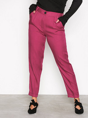 NLY Trend rosa byxor Dressed Up Pants Fuchsia