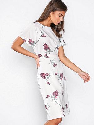 NLY Trend Kimono Midi Dress Mönstrad