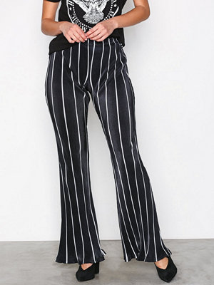 Missguided randiga byxor Striped Plisse Flared Leg Trousers Black