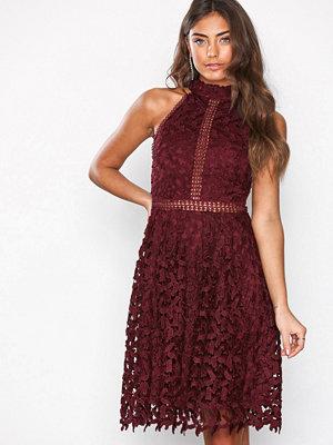 NLY Eve Sportscut Crochet Dress Burgundy