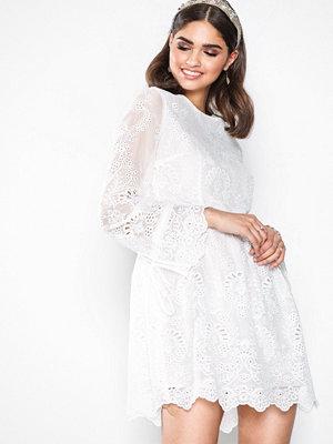 Glamorous Lace Dress Vit