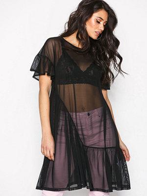 NLY Trend Cute Mesh Flounce Dress Svart
