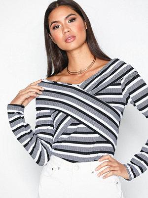 NLY Trend Rib Wrap Stripe Top Randig
