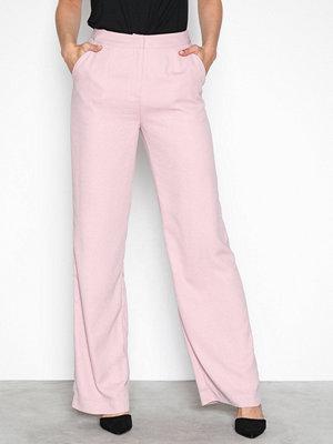 NLY Trend cremefärgade byxor My Favorite Pants Ljus Rosa