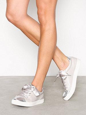 Only onlSKYE Toe Cap Sneaker Beige