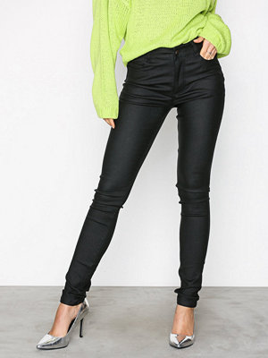 NLY Trend svarta byxor Coated Jeggings Svart