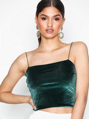 NLY Trend Velvet Spagetti Strap Top Grön