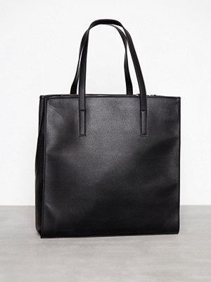 Handväskor - Pieces Pcmiriam Shopper Svart