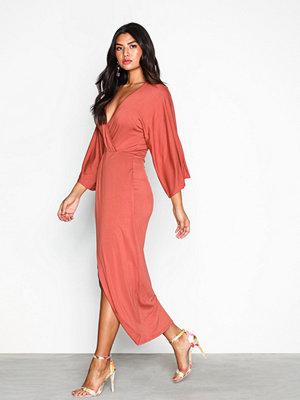 NLY Trend Kimono Solid Dress Rostbrun