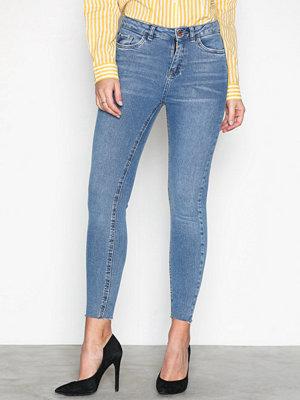 New Look Cut Off Hem Jeans