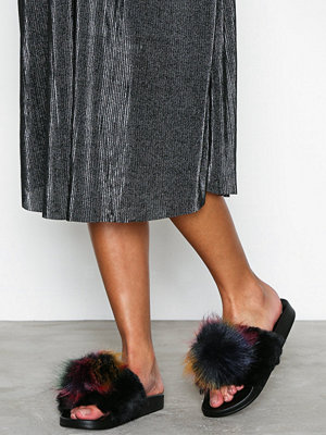 Tofflor - Steve Madden Spiral Slipper Black