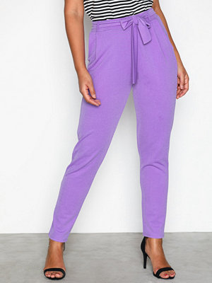 NLY Trend Dressed Tie Pants Ljus Lila byxor