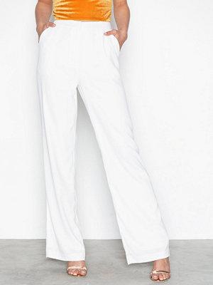 NLY Trend vita byxor My Favorite Pants Vit