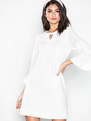 Sisters Point Nekko Dress White