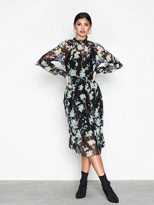 Y.a.s Yashamilla Dress Svart