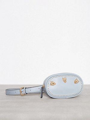 Topshop ljusgrå axelväska med tryck Panther Belt Bag Blue