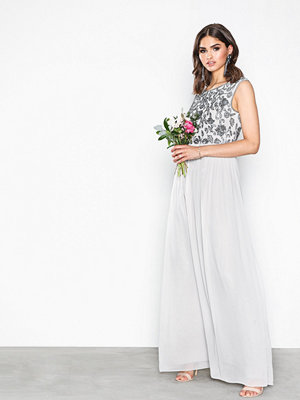 NLY Eve Decor Cap Sleeve Gown