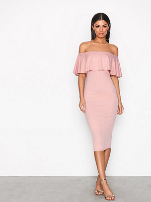 NLY One Frill Crepe dress Rosa