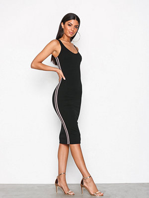 NLY One Side Stripe Dress Svart
