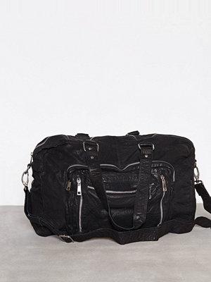 Handväskor - NuNoo Camilla Travelbag Svart