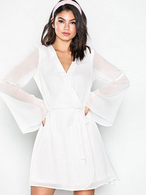 NLY Trend Wide Sleeve Wrapped Dress Vit