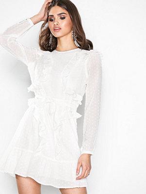NLY Trend Stylish Ruffle Dress Creme
