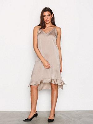 Munthe Tuxedo Dress Sand