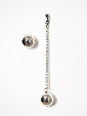 Vero Moda örhängen Vmelain Asymmetric Earring Box Silver
