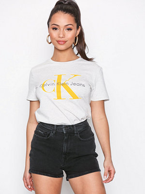 Calvin Klein Jeans High Rise Short-Black Fame CMF Black