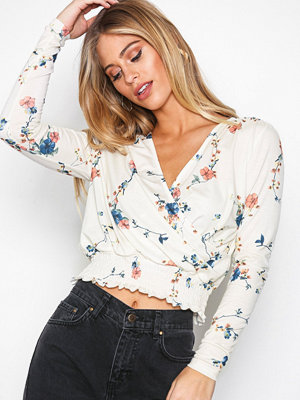 NLY Trend Smock Wrap Top Blommig