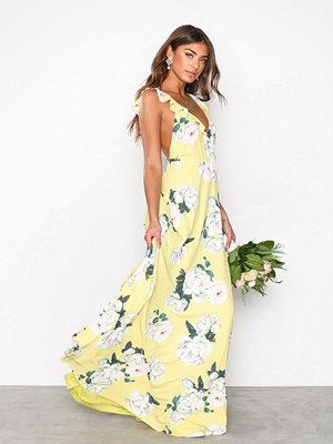 Festklänningar - NLY Eve Flounce Me Gown Blommig
