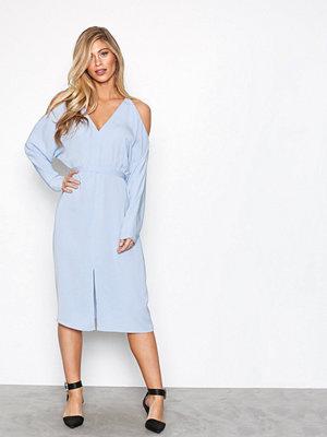 NLY Trend Front Slit Dress Blå