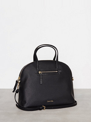 Calvin Klein Dome Medium Satchel Svart