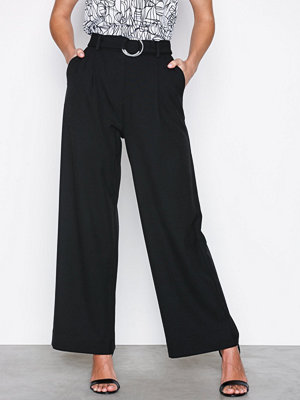 Selected Femme svarta byxor Slfaila Hw Cropped Pant Ex Svart