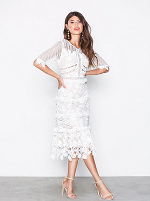 True Decadence Short Sleeve Lace Dress Vit