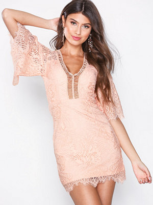 Love Triangle Sway My Way Lace Mini Dress Korall