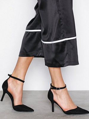 NLY Shoes Strap Heel Pump Svart