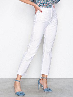NLY Trend Cheeky Fit Straight Leg Denim Vit
