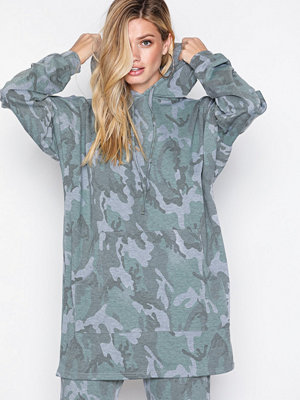 Street & luvtröjor - NLY Trend Camo Oversized Hoodie Camouflage